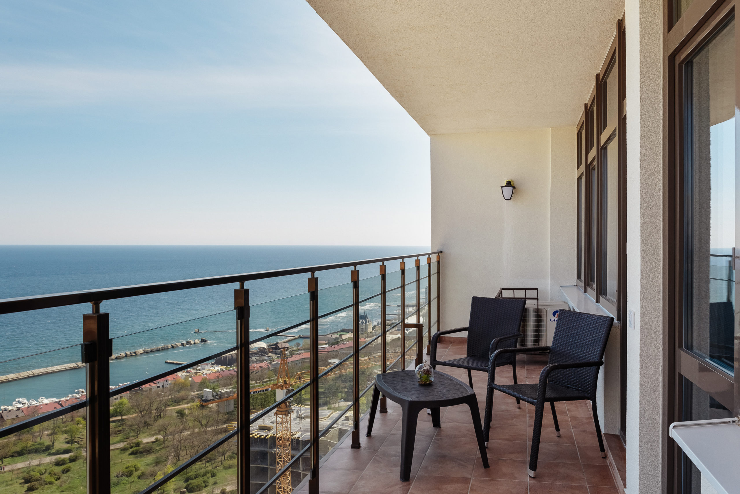 One-bedroom apartment with a sea view and a balcony