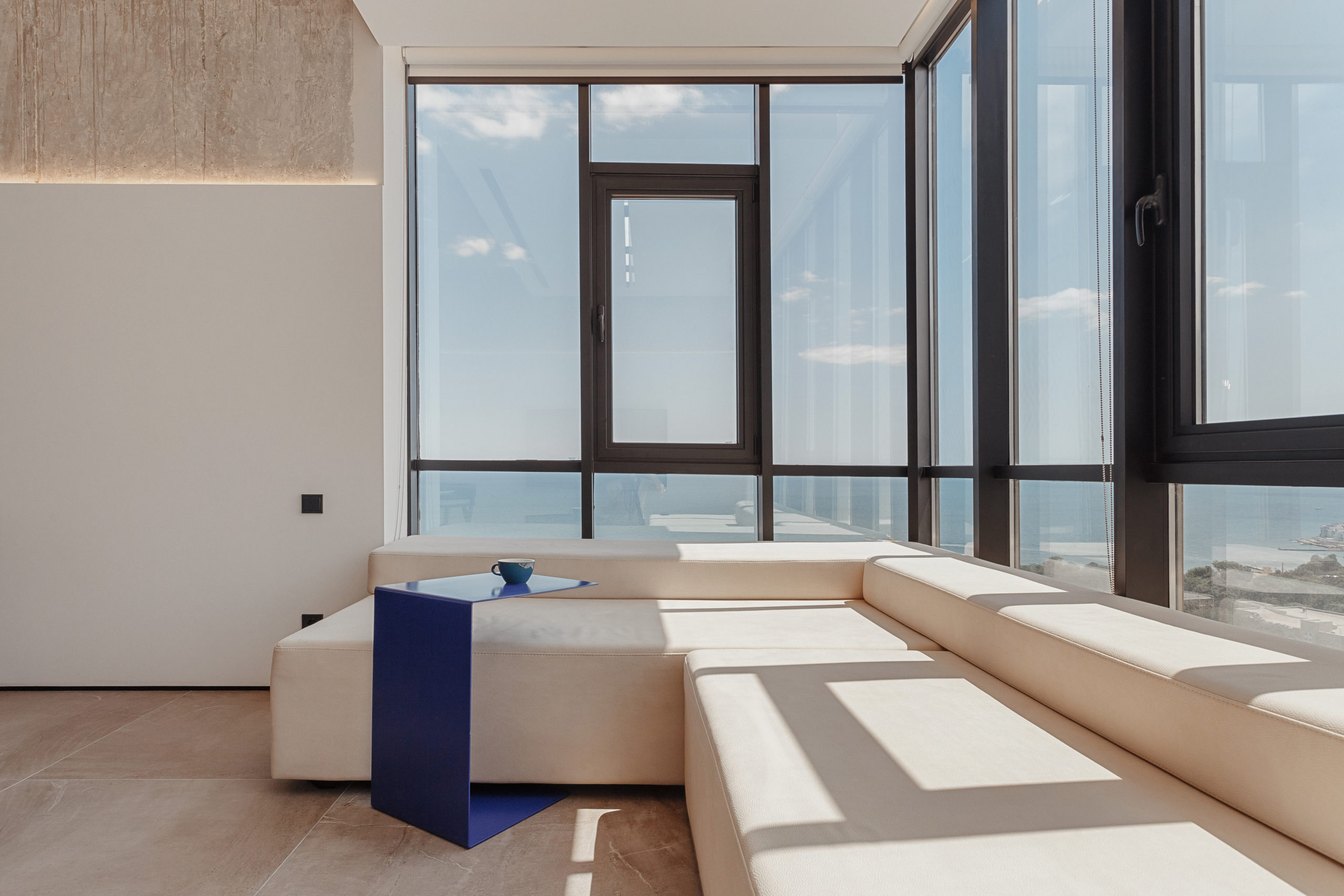 Two-bedroom apartment with a panoramic sea view