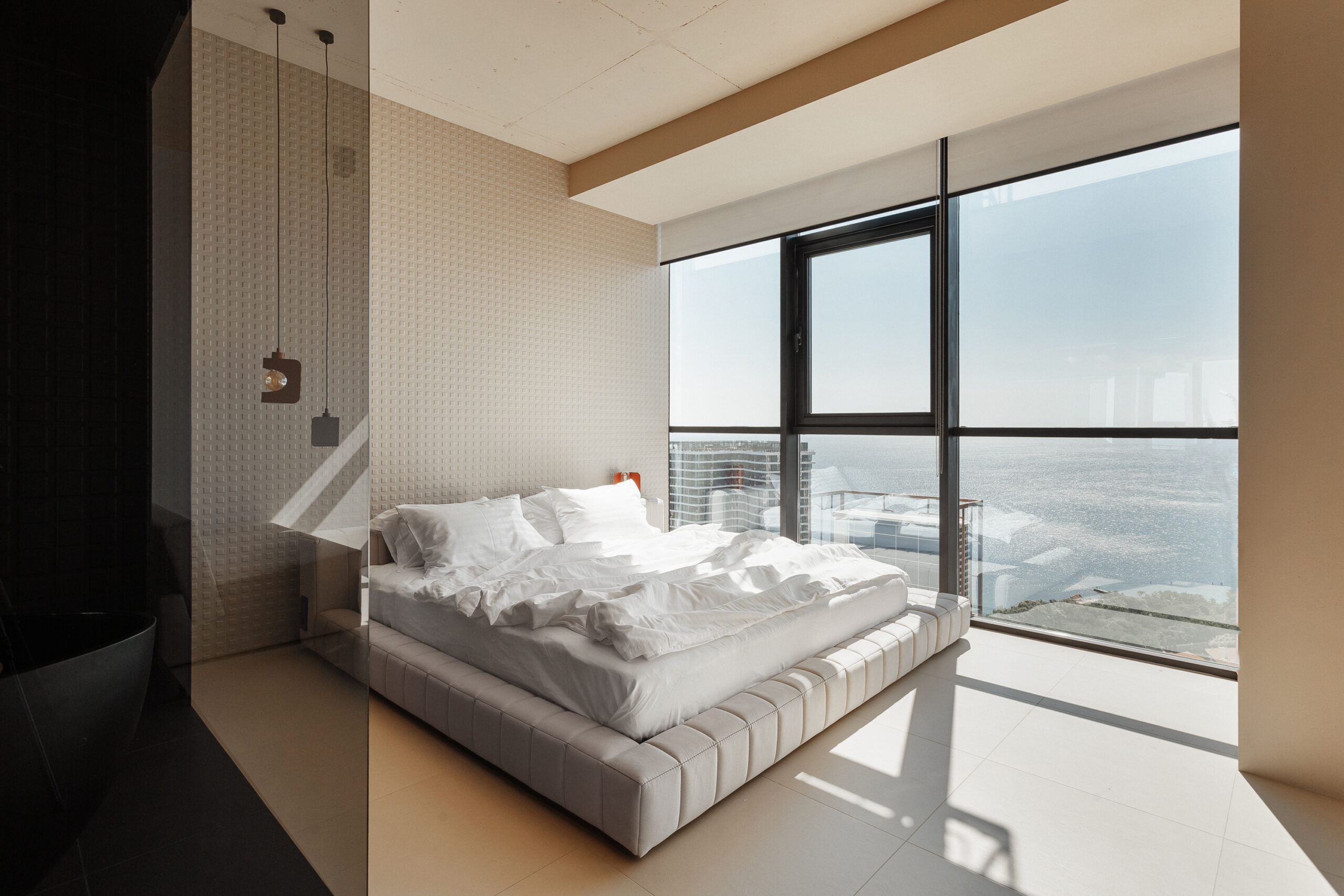 Studio with a panoramic sea view